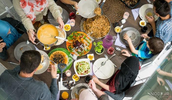 عکس خانوادگی غذا
