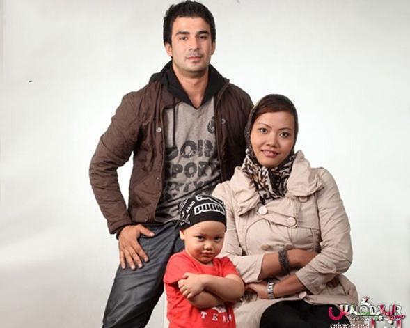 عکس خانوادگی یوسف تیموری