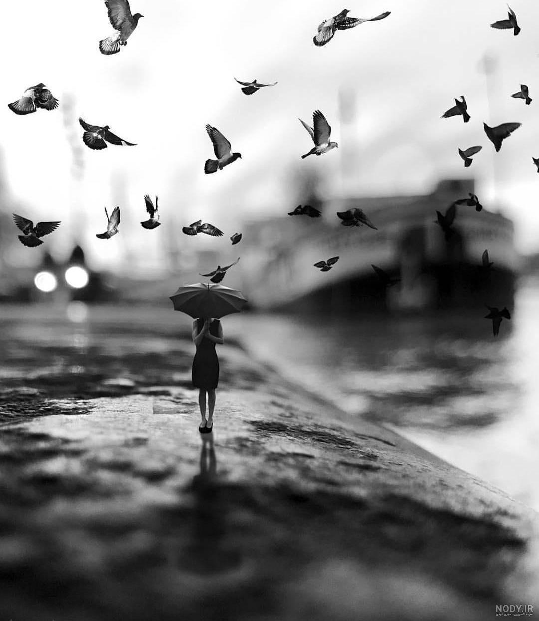 عکس سیاه و سفید غمگین